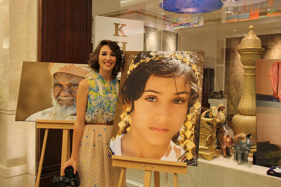 World-meets-girl-TBblogstars-bei-der-Ausstellung-in-Muscat-Oman